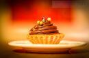 Kruche babeczki orzechowe z czekoladowym kremem