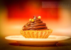 Kruche babeczki orzechowe z czekoladowym kremem | kielkismaku.pl
