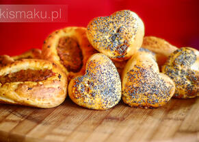 Bułeczki z pieczarkami i suszonymi pomidorami | kielkismaku.pl